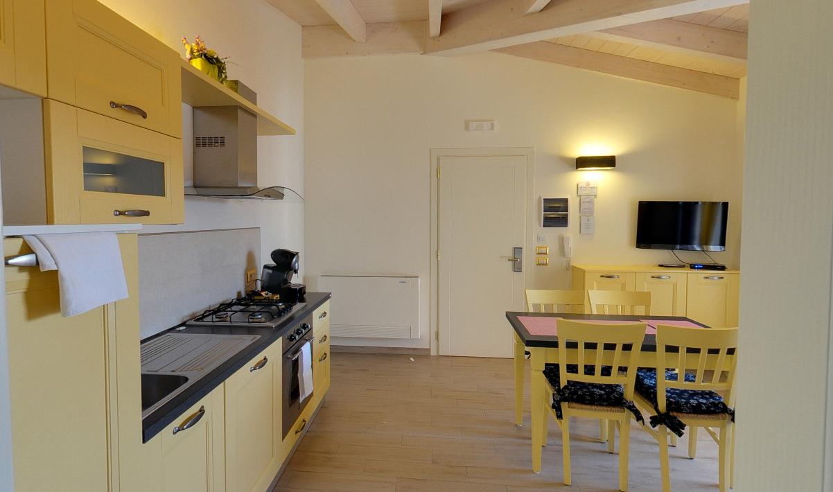 Cucina appartamento gorgona - appartamenti economici castiglione della pescaia